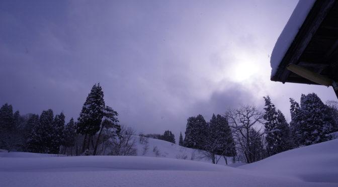 【ハラリハラリと舞う雪】